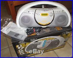 SONY Psyc Atrac3 MP3 cd cd-r cd-rw portable boombox stereo radio zs-yn7 + remote