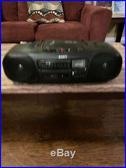 Sony CFD-10 Boombox Portable Stereo AM FM Radio CD Player Tested Working Pre-own