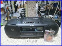 Sony CFD-10 Boombox Portable Stereo AM FM Radio CD Player Tested Works Good
