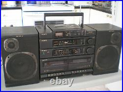 Sony CFD 460 boombox style portable CD player radio cassette, very clean