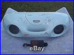 VINTAGE SONY S2 SPORTS ZS-XN30 BOOMBOX CD/RADIO + CD-R/RW PLAYBACK VERY LOUD