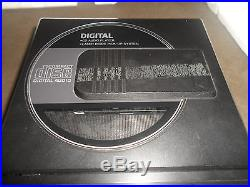 Vintage Crown Portable Compact Disc Player CD-110 with Orignal Box GHETTO BLASTER