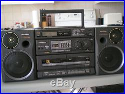 Vintage Panasonic Boombox / portable AM/FM Radio, CD player, model RX-DT680