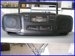 Vintage Panasonic Boombox / portable AM/FM Radio cassette, CD player, RX-DT30
