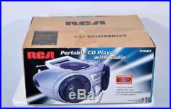 Vintage RCA Portable CD Player With Radio RCD025