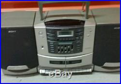 Vintage Sony CFD-zw770 AM FM CD Compact Disc Player Portable Boombox
